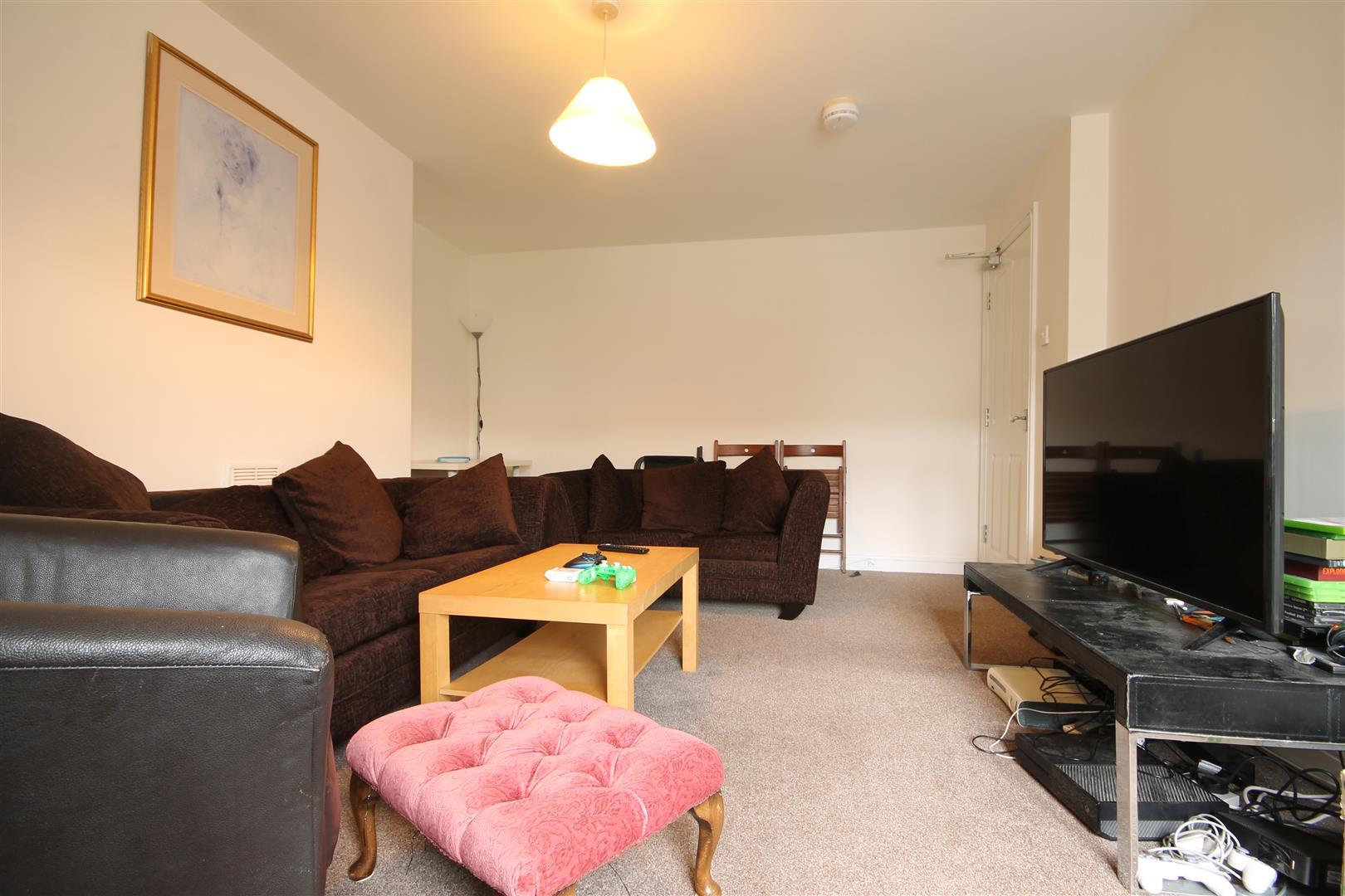 Simonside Terrace Newcastle Upon Tyne, 5 Bedrooms  Maisonette ,To Let